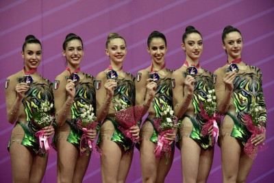 World Cup Pesaro – Le Farfalle trionfano nell'All around. Baldassarri in finale al nastro