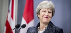 Brexit: May supera il voto di fiducia