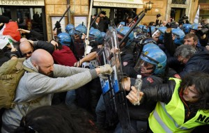 Taxis cause chaos in Rome