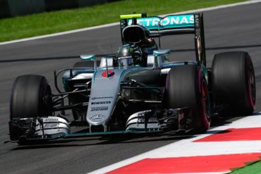 Nico fa cantare Monza. E si rivede Vettel