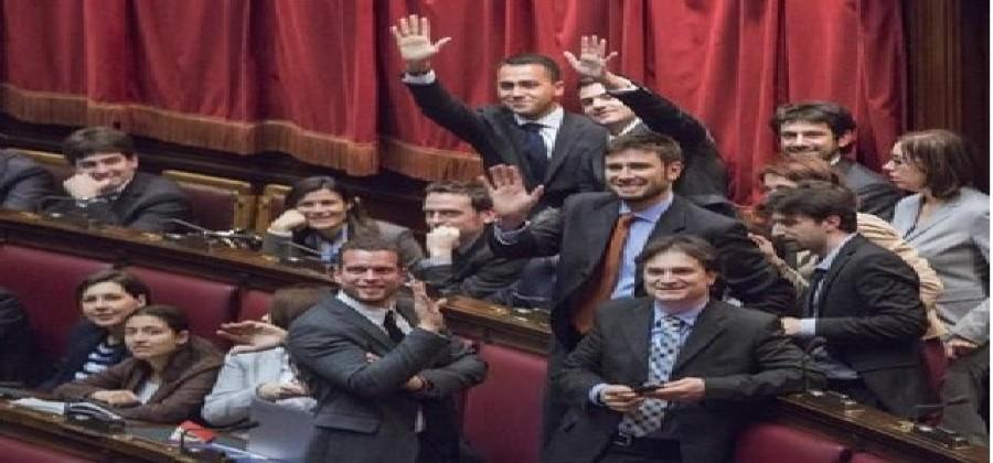 Il parlamento intanto c 39 e tutto procede secondo la for Votazioni alla camera