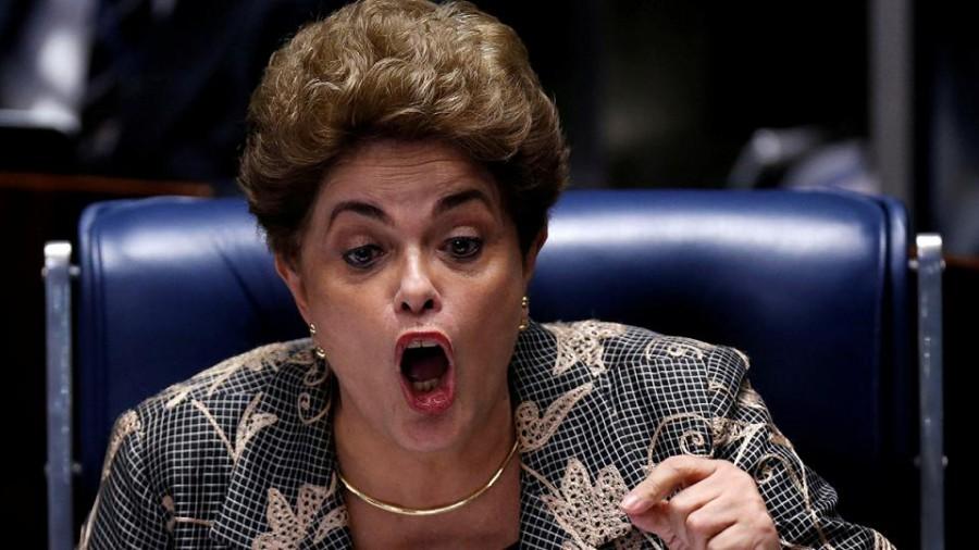 Brasile, corteo pro Rousseff blocca strada di accesso a San Paolo