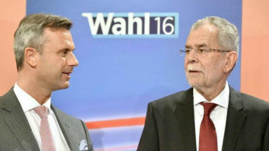 Far-right hopeful Hofer within reach of Austrian presidency on Sunday
