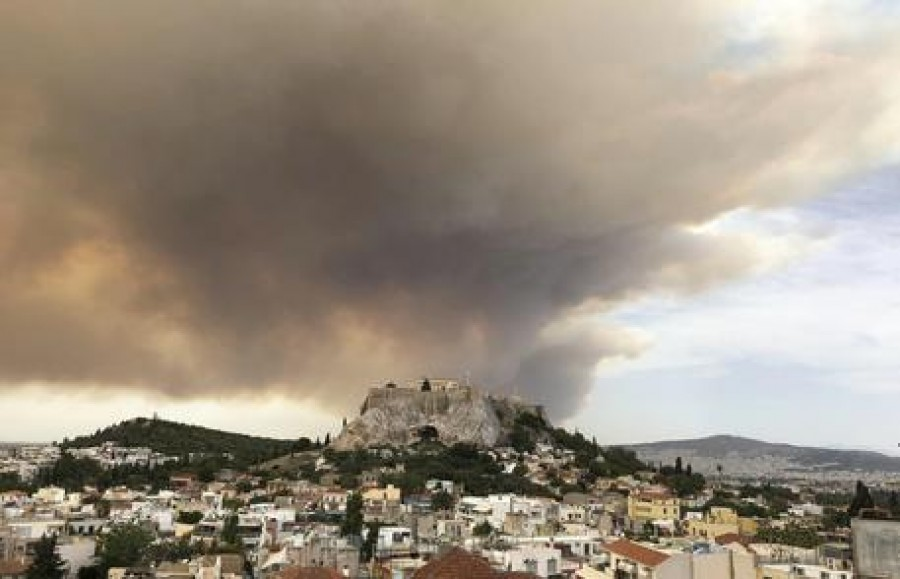 La Grecia brucia, Mati come Pompei.