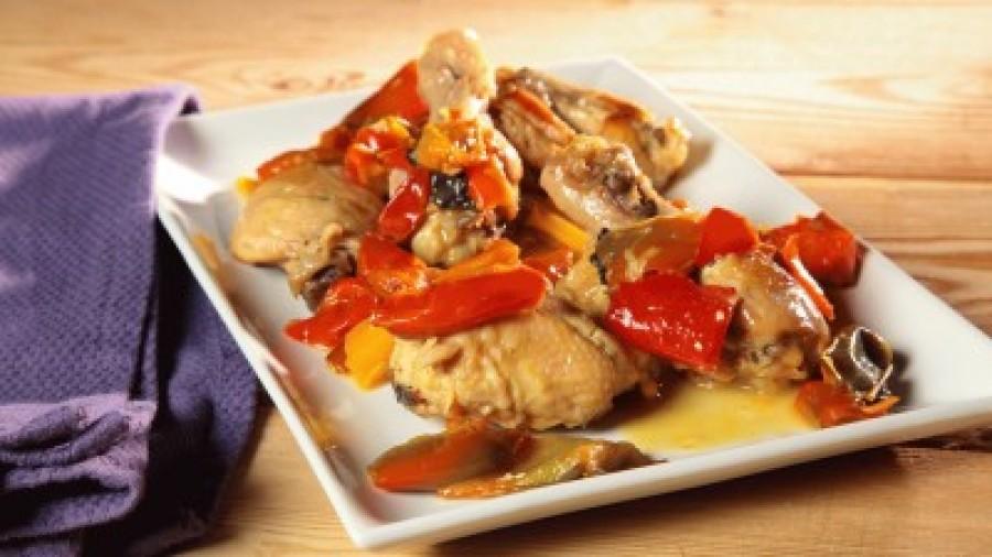 Pranzo di ferragosto pollo con peperoni alla romana for Piatto tipico romano