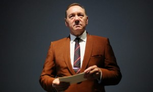 Kevin Spacey compara su caída en Hollywood con la pandemia