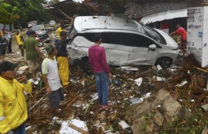 Tsunami in Indonesia, oltre 220 i morti