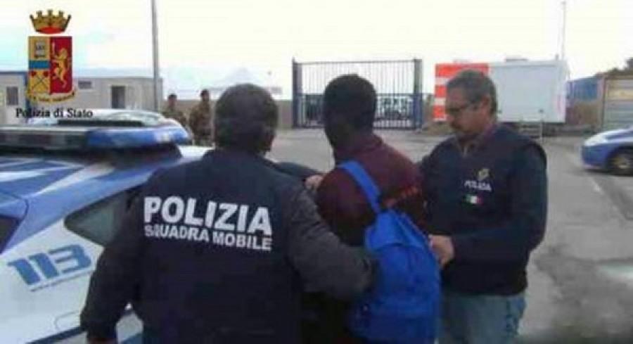 Migranti, arrestati trafficanti in Sud Italia. Contatti con filo-jihadisti
