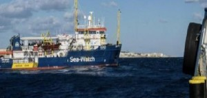 La Sea Watch ha varcato le acque territoriali italiane