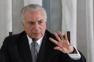 Corruption probe clouds survival of Brazil's transition leader