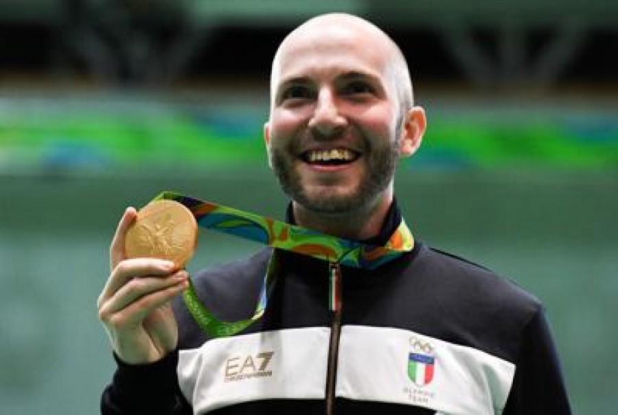 Niccolò Campriani è oro nella carabina 10 metri aria compressa