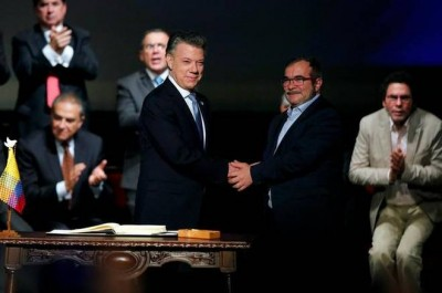 Revised peace deal signed in Colombia