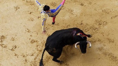Bullfighting brought back to Bogota, awakening age-old arguments