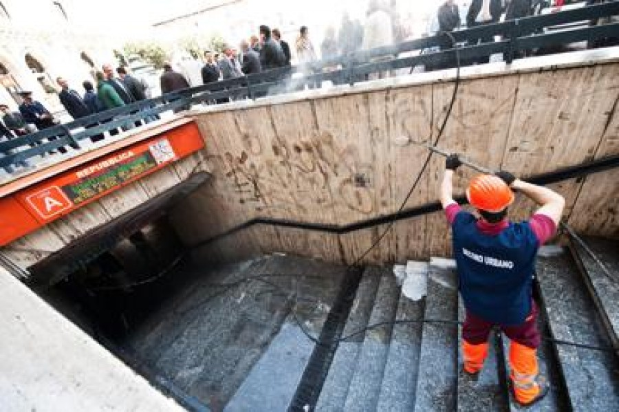 Giunta Raggi: 18 milioni di euro a Atac per manutenzione metro A