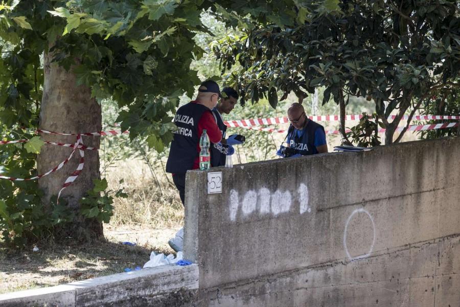 Giallo a Roma: trovato cadavere di donna nel cortile di un palazzo