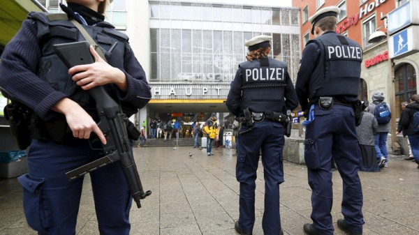 German police carry out terror raids