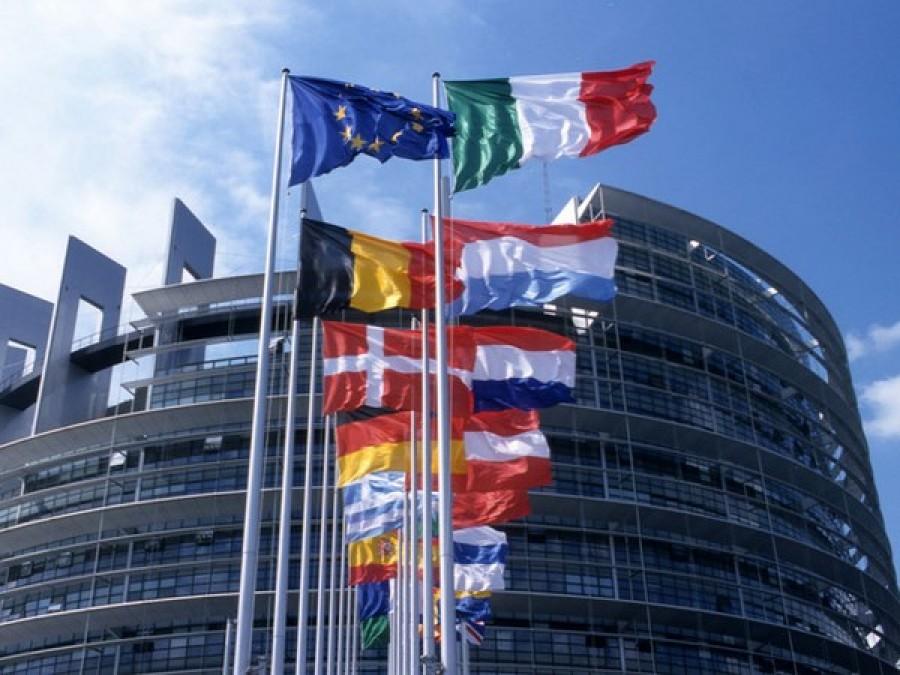 Manovra, l'Ue bacchetta l'Italia: