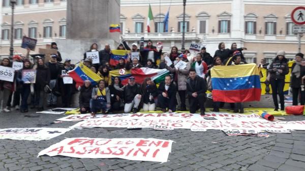 Gli italo venezuelani protestano davanti il parlamento for Sede parlamento italiano