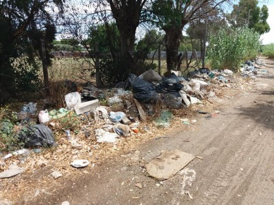 Roma X Municipio: Infernetto via Salorno una discarica abusiva AMA dove sei?