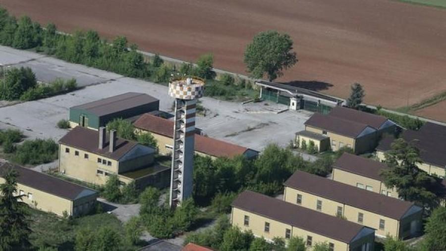 Lombardia centro rimpatri montichiari bordonali scelta for Interno 4 montichiari