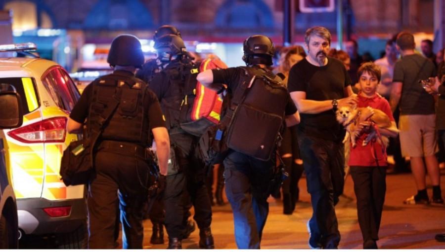 Ariana Grande dopo l'attentato a Manchester Sono distrutta, non ho parole