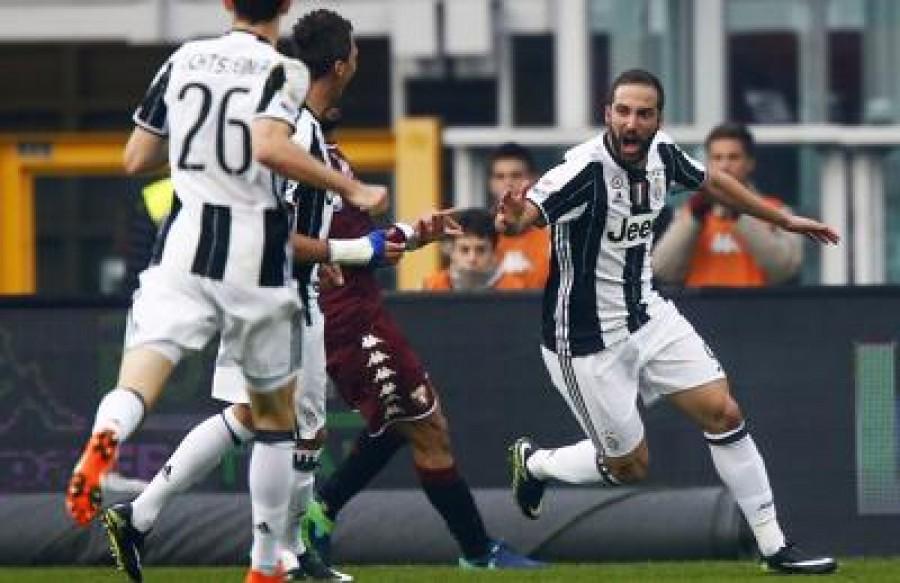 Calcio, oggi è il giorno del derby Torino-Juventus
